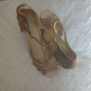 Rose gold Betsy Johnson heels